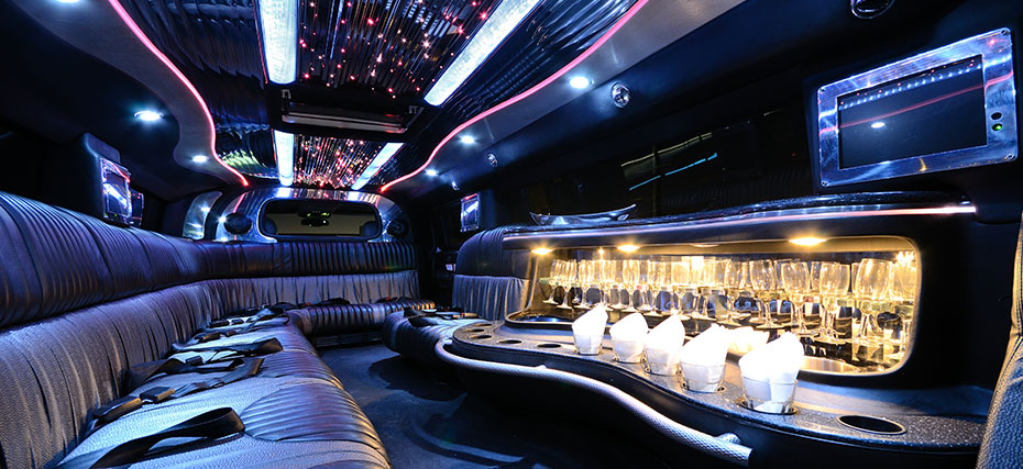 Welcome to Hummer SA – Home of Adelaide's largest fleet of head-turning Stretch Hummer Limousines